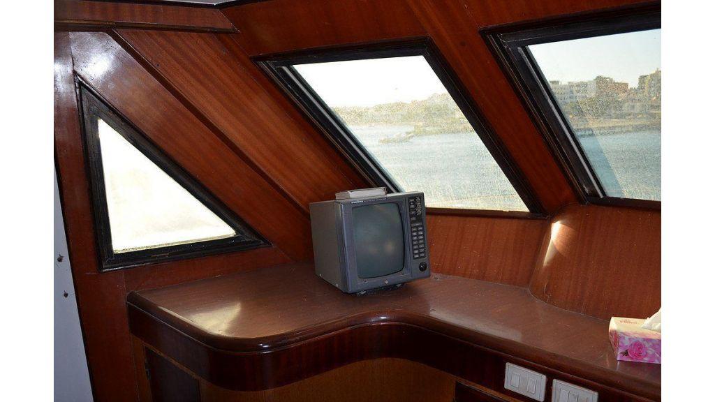 Wooden Diving Boat (43)
