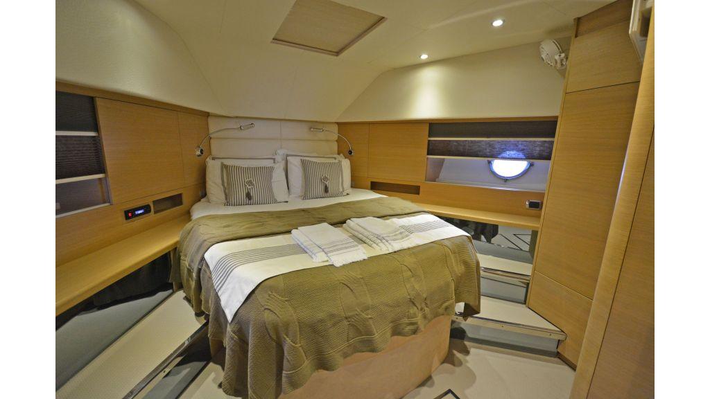 Aicon 64 Charter Motoryacht (10)