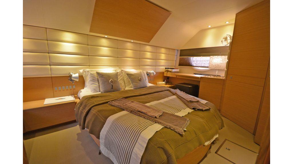 Aicon 64 Charter Motoryacht (15)
