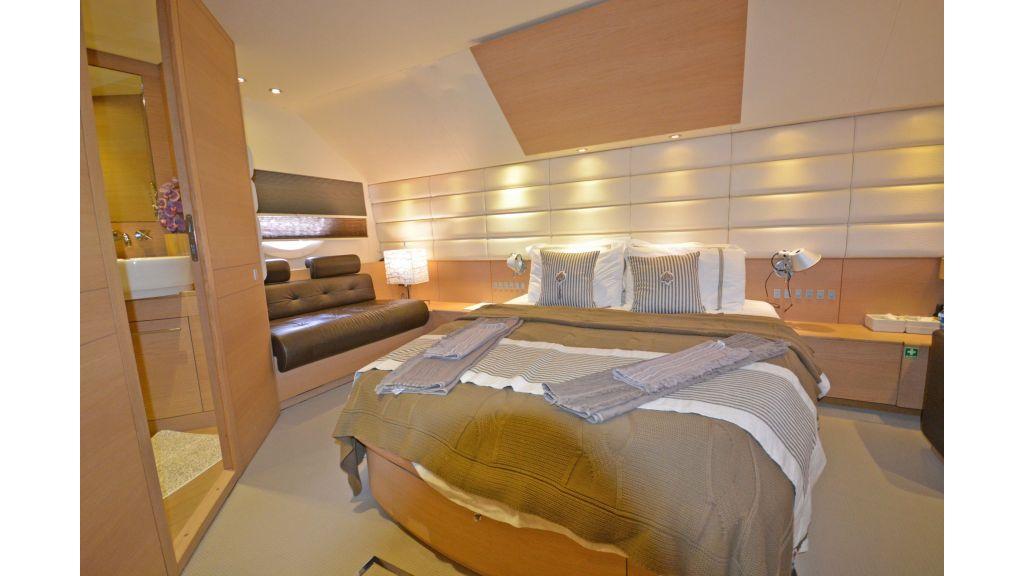 Aicon 64 Charter Motoryacht (19)