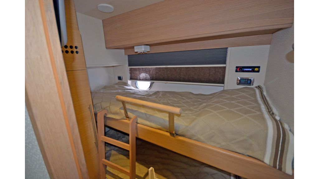 Aicon 64 Charter Motoryacht (21)