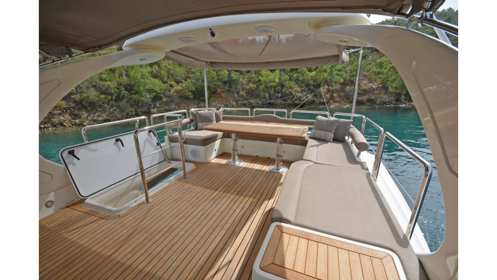 Aicon 64 Charter Motoryacht (22)