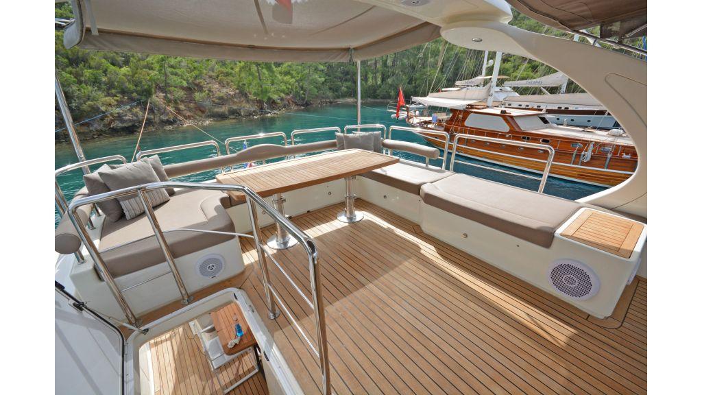 Aicon 64 Charter Motoryacht (23)