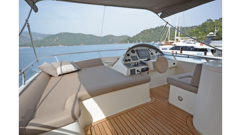 Aicon 64 Charter Motoryacht (24)