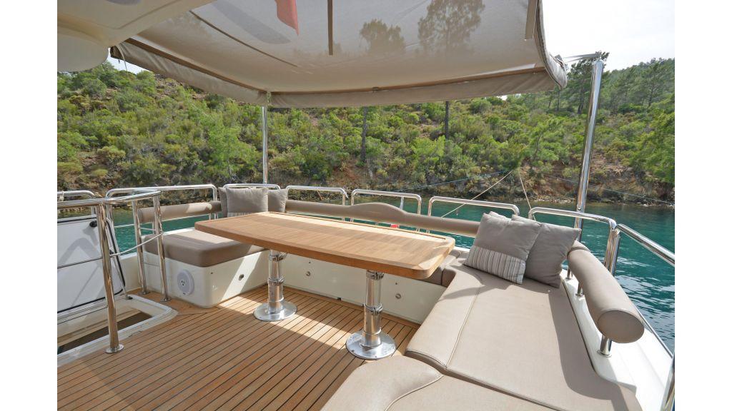 Aicon 64 Charter Motoryacht (25)