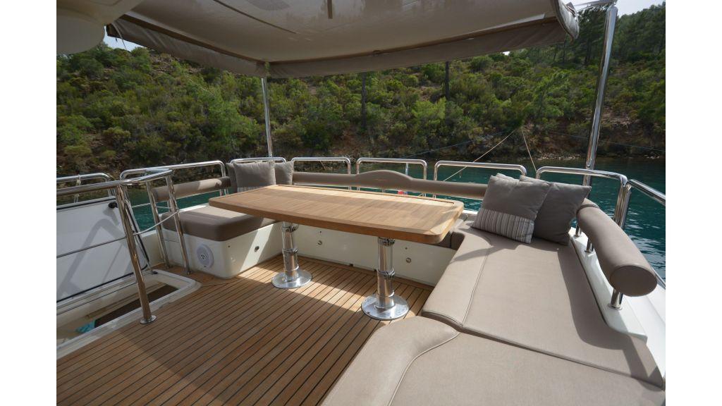 Aicon 64 Charter Motoryacht (26)