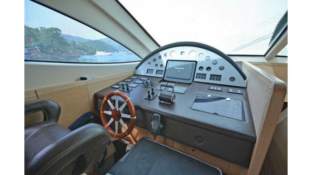 Aicon 64 Charter Motoryacht (8)