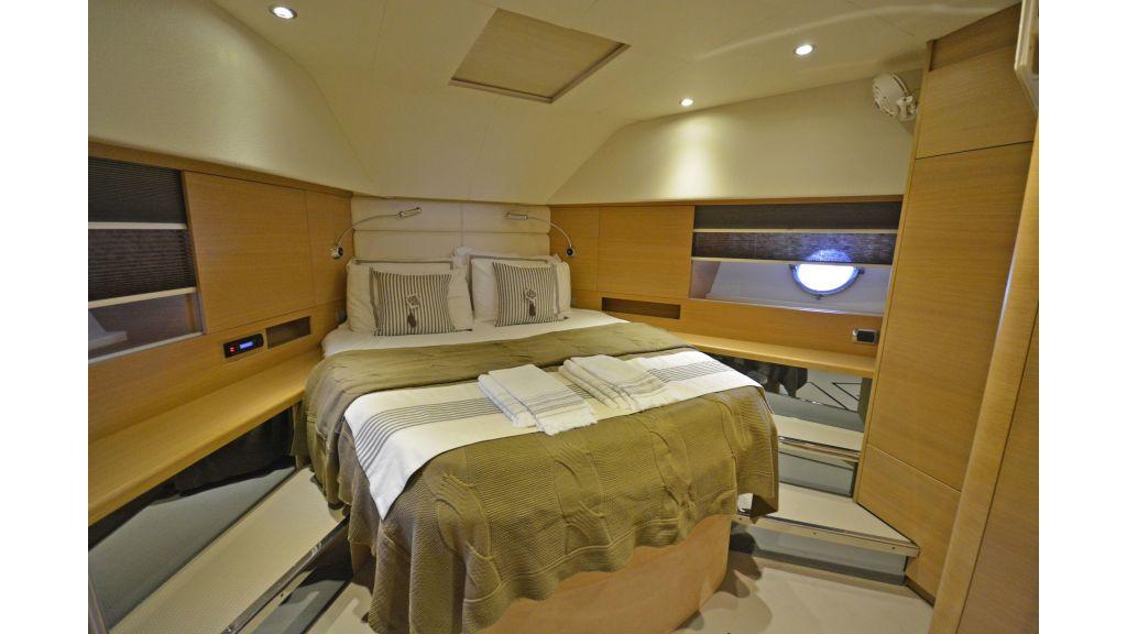 Aicon 64 Charter Motoryacht (9)