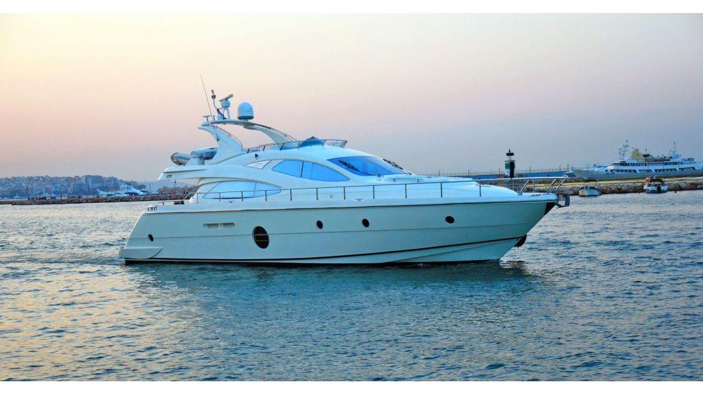 Aicon 64 Charter Motoryacht master.