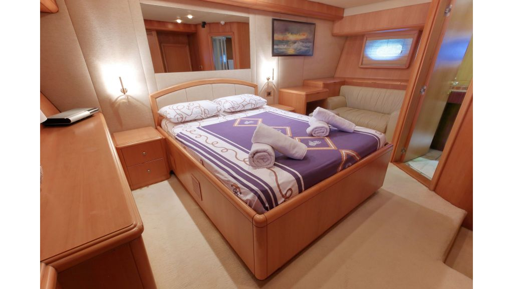 Luxury Motoryacht (12)