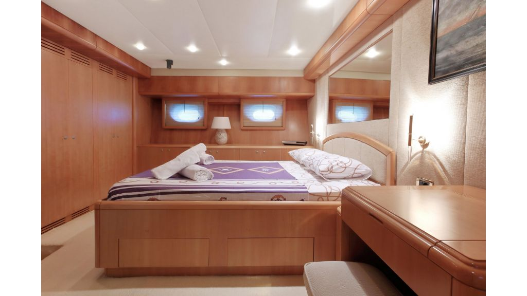 Luxury Motoryacht (14)