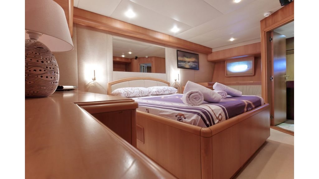 Luxury Motoryacht (15)