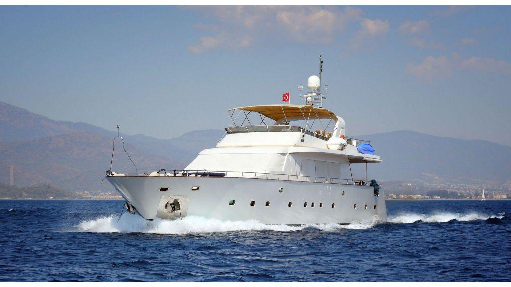 luxury-motoryacht-5-