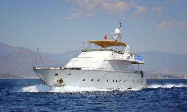 luxury-motoryacht-5-master