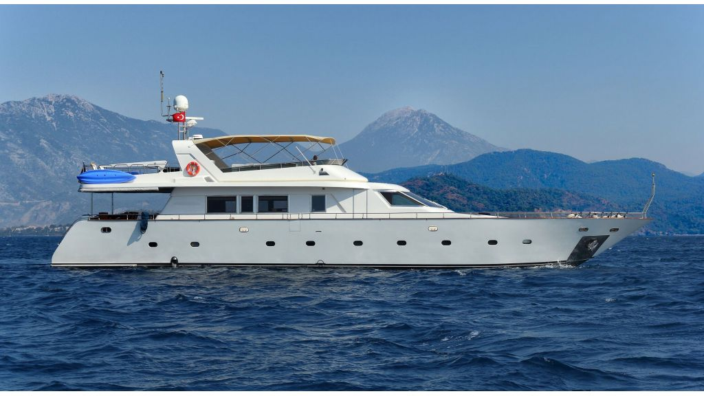 Luxury Motoryacht (9)