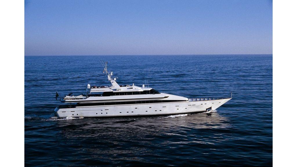 Motor Yacht Costa Magna (3)