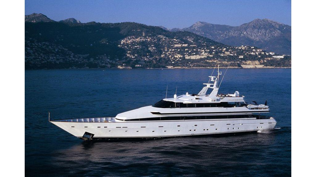 Motor Yacht Costa Magna (4)