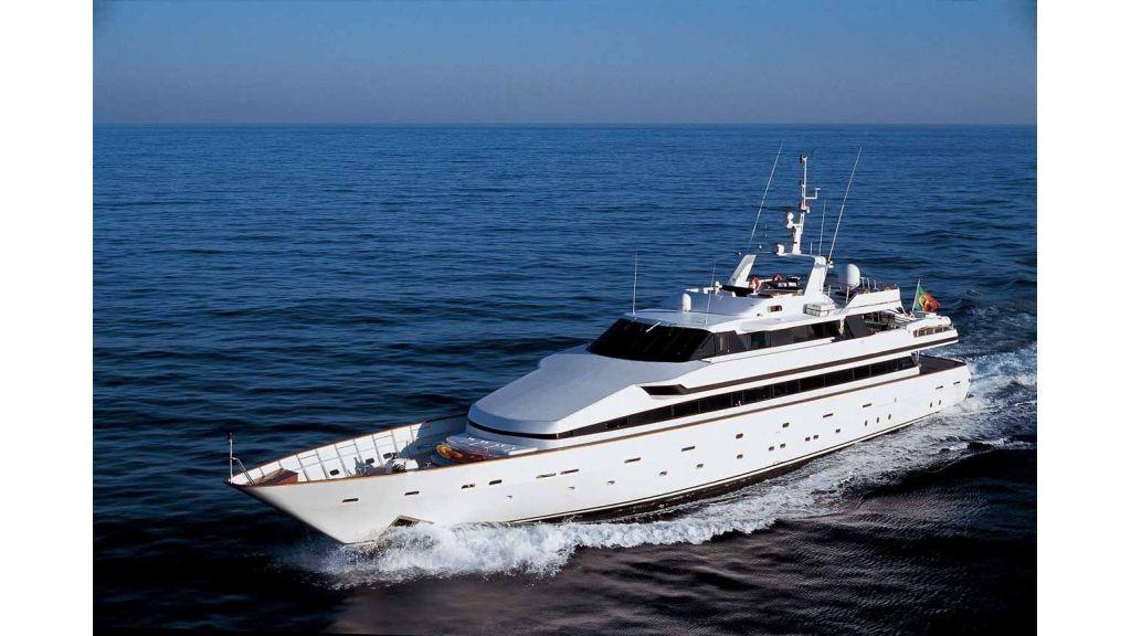 Motor Yacht Costa Magna (5)