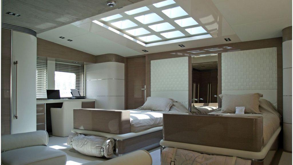 Rl Noor Luxury Motoryacht (16)