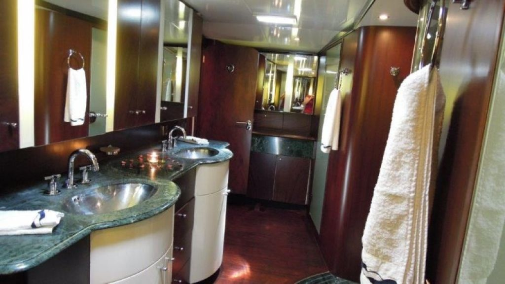 Sailing Yacht Rosinante (16)