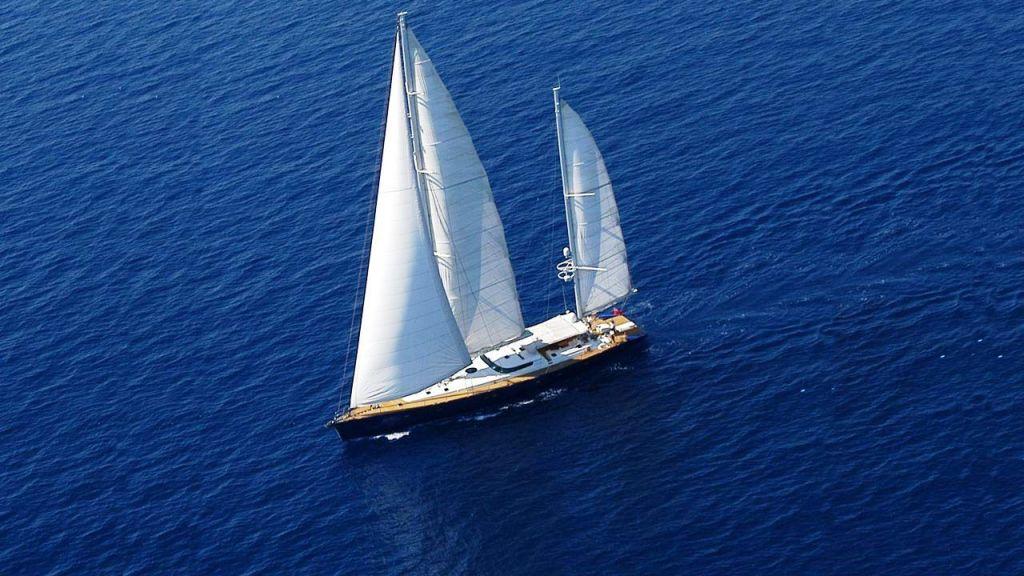 Sailing Yacht Rosinante (2)