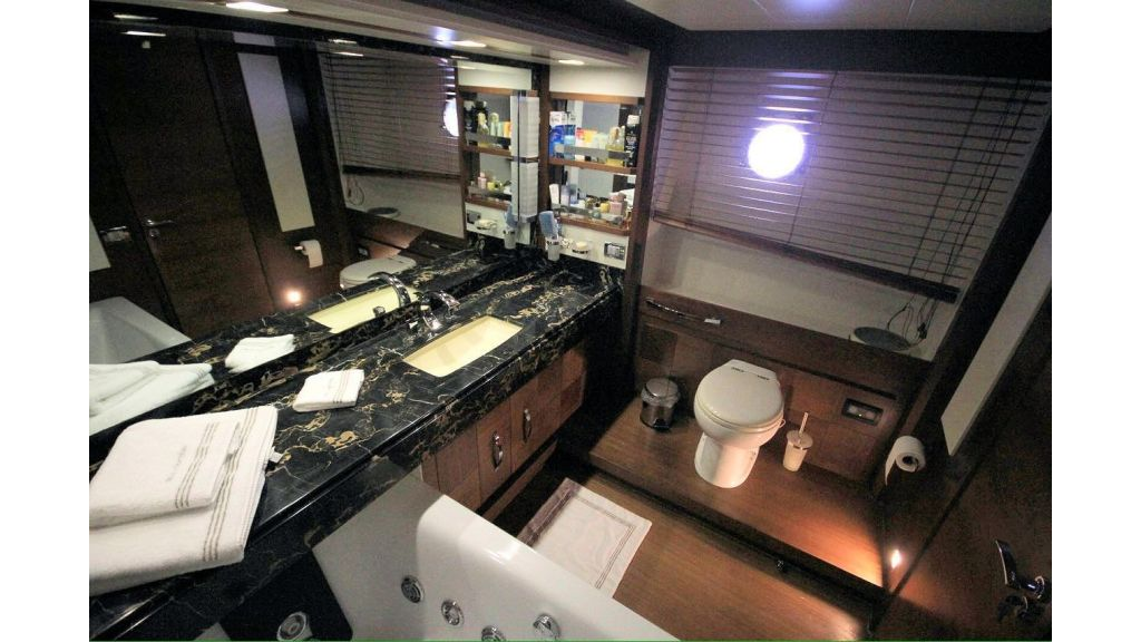 Azimut 88 for Sale (22)