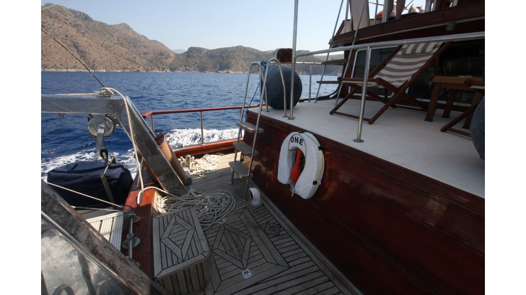 Teak Mahogany MotorBoat for Sale (10)
