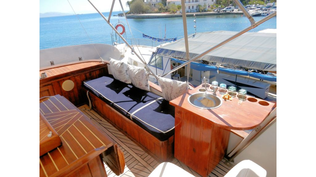 Teak Mahogany MotorBoat for Sale (18)