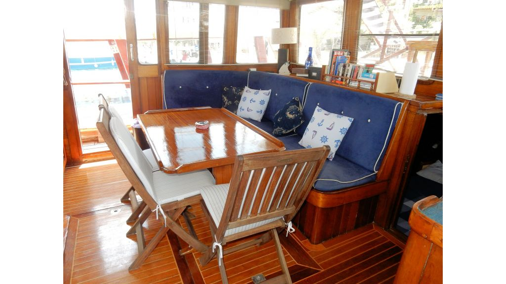 Teak Mahogany MotorBoat for Sale (19)