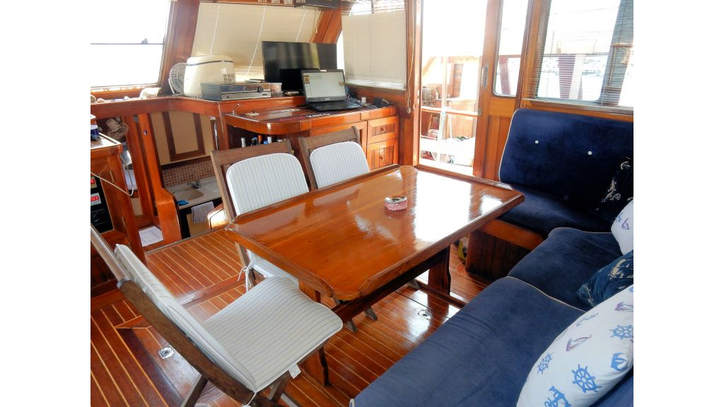 Teak Mahogany MotorBoat for Sale (20)