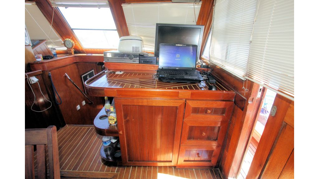 Teak Mahogany MotorBoat for Sale (23)