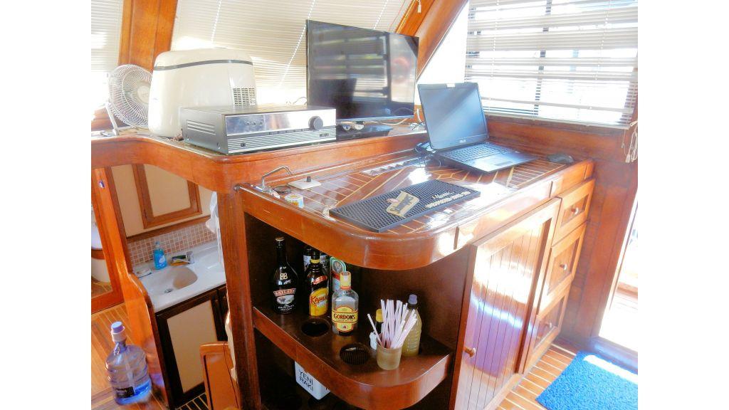 Teak Mahogany MotorBoat for Sale (24)