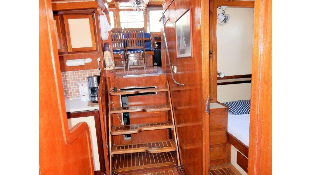 Teak Mahogany MotorBoat for Sale (36)