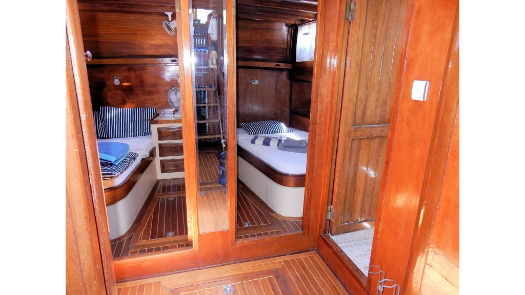 Teak Mahogany MotorBoat for Sale (38)