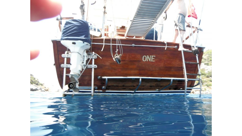 Teak Mahogany MotorBoat for Sale (5)