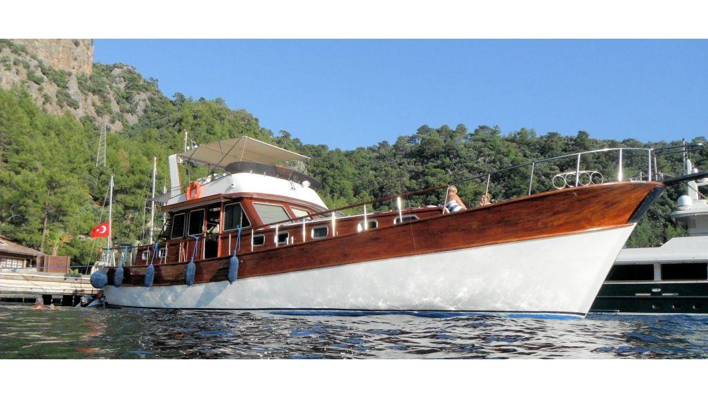 Teak Mahogany MotorBoat for Sale - master