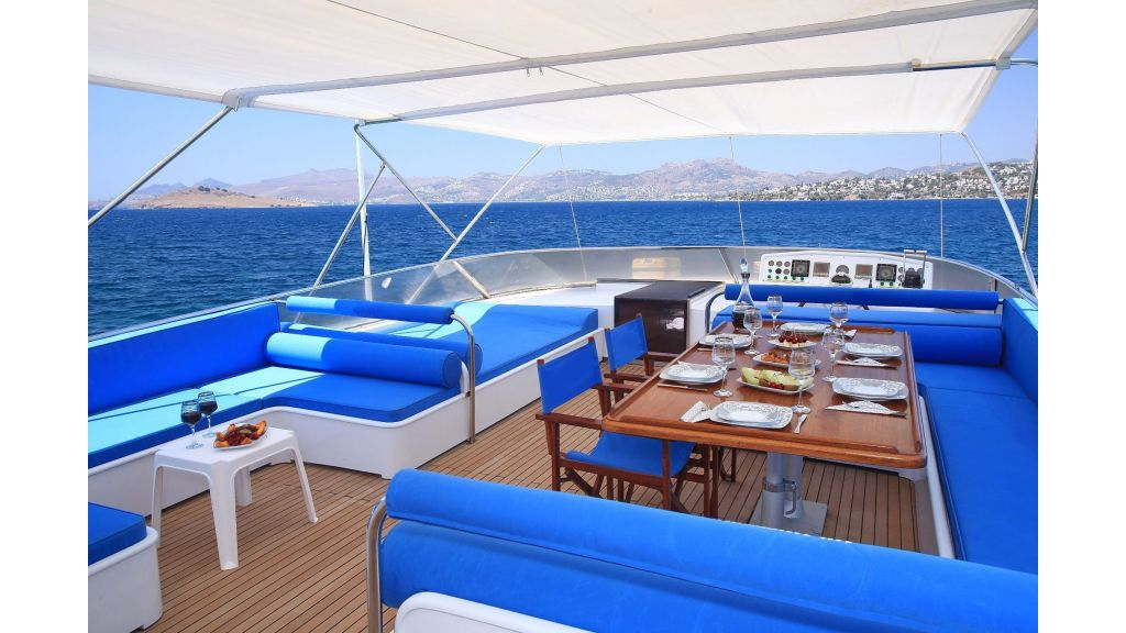 27m-laminated-motoryacht-8