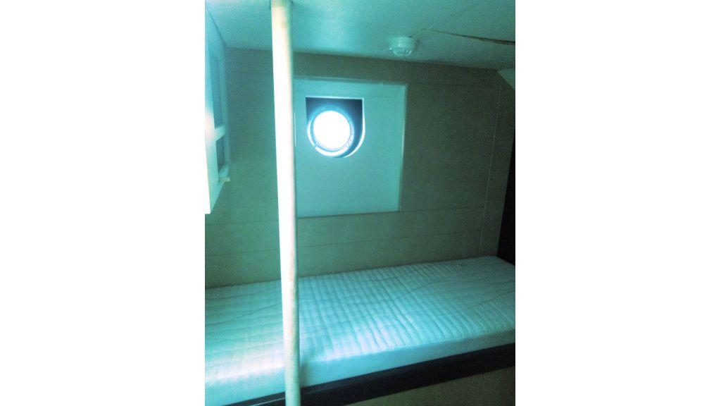 Aqualiner-77-Guest-Room