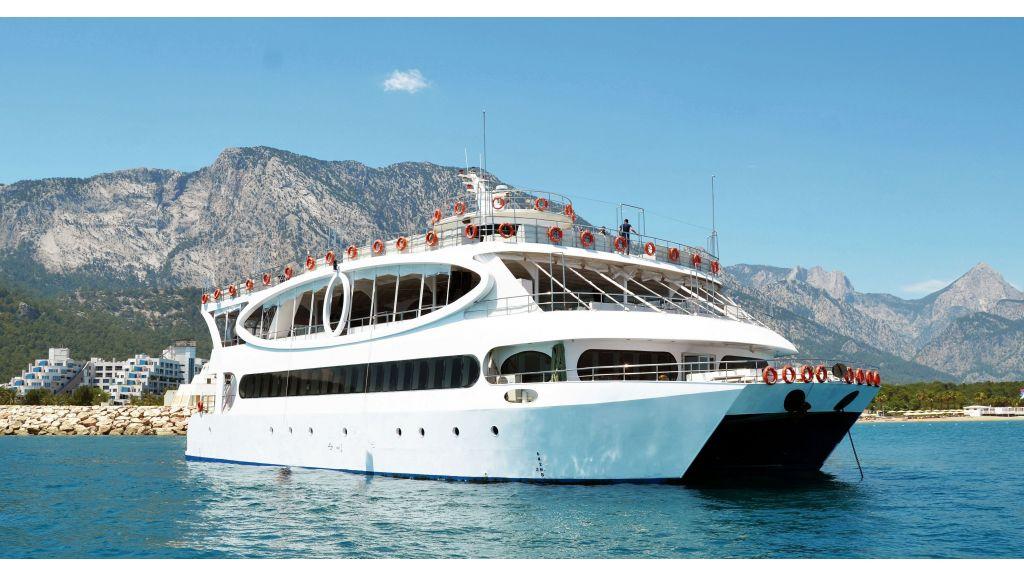 mobydick-large-catamaran-master-2