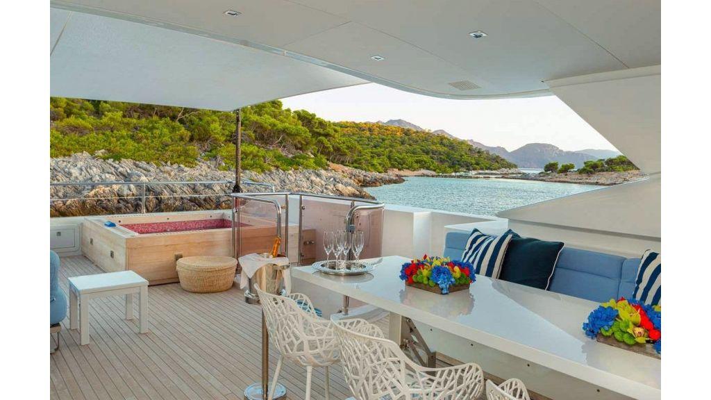 Mondomarine Motor Yacht (12)