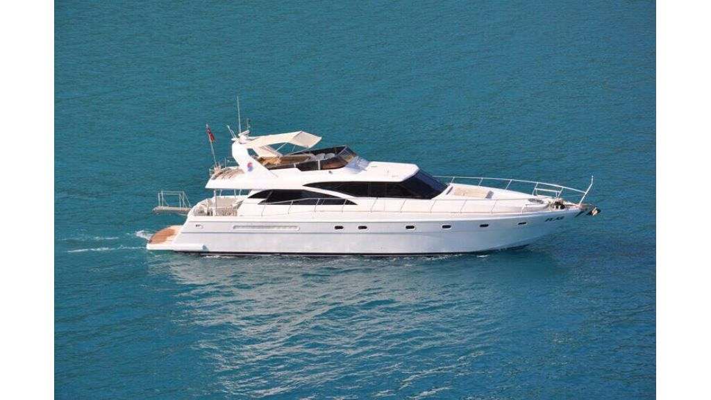 composite-motoryacht-2