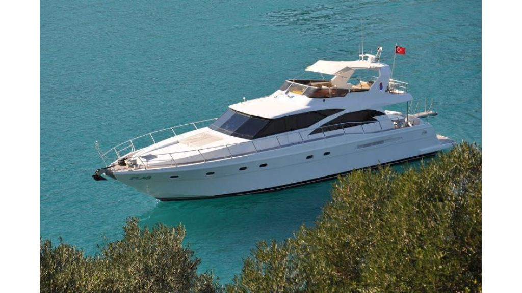 composite-motoryacht-3