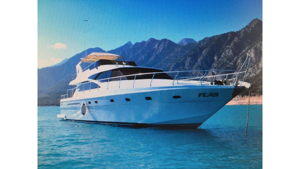 composite-motoryacht-4