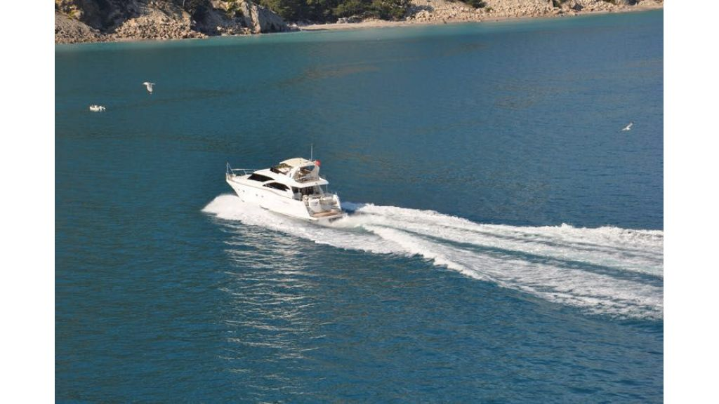 composite-motoryacht-5