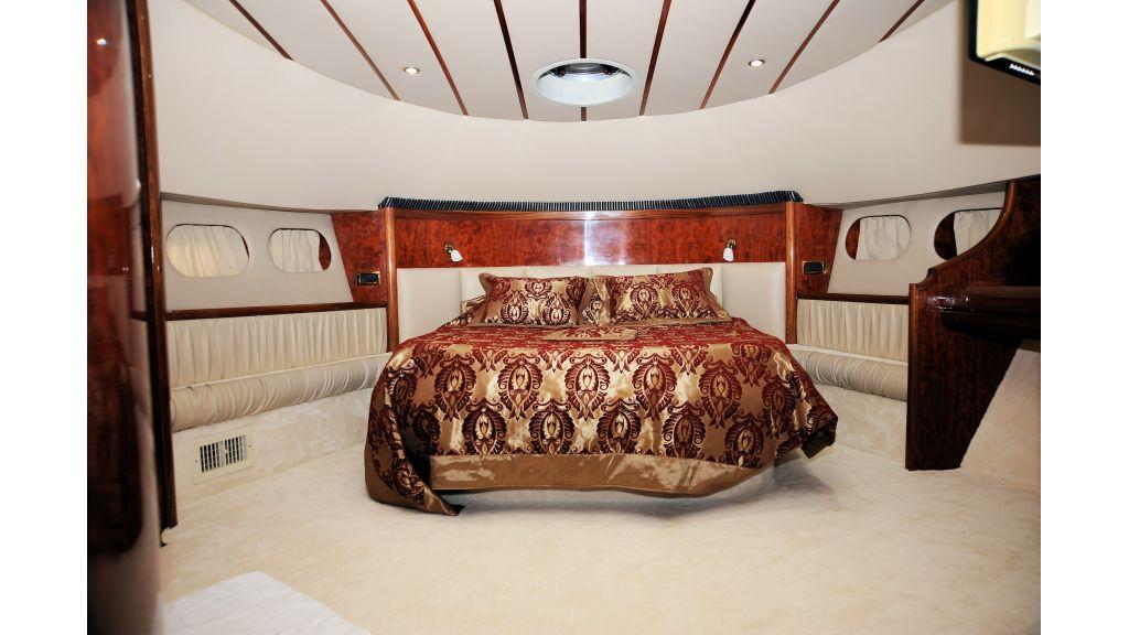 istanbul-built-epoxy-laminated-motoryacht-10-master