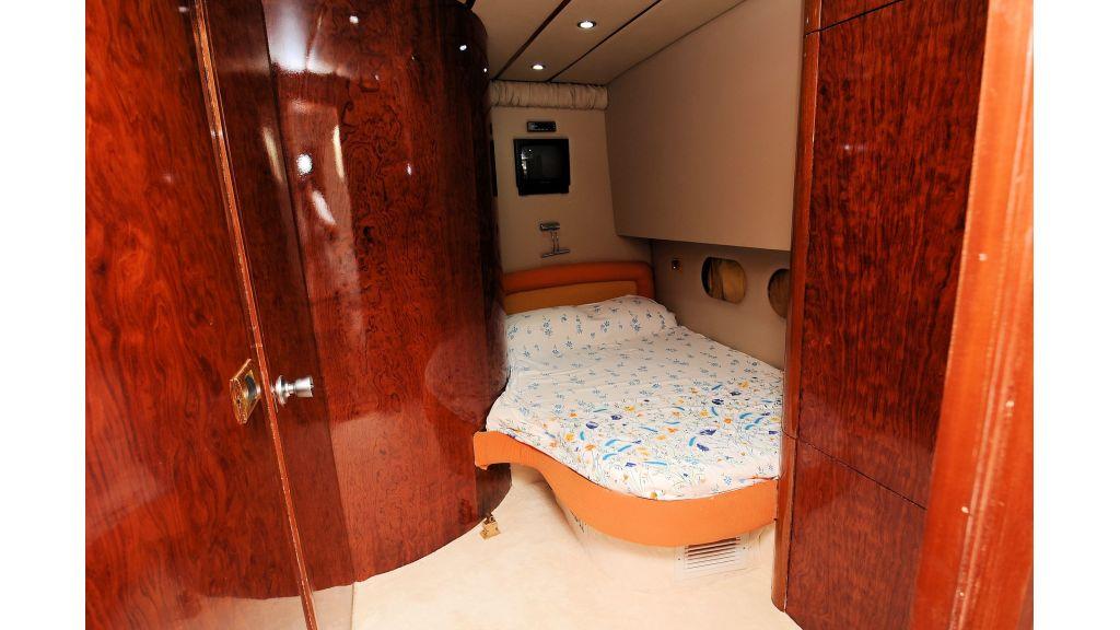 istanbul-built-epoxy-laminated-motoryacht-12