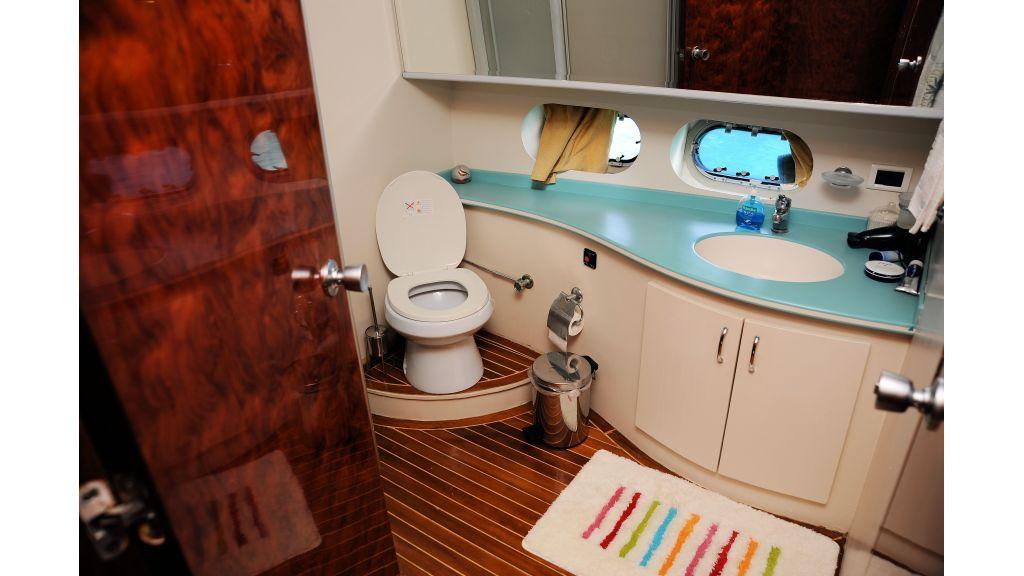 istanbul-built-epoxy-laminated-motoryacht-14