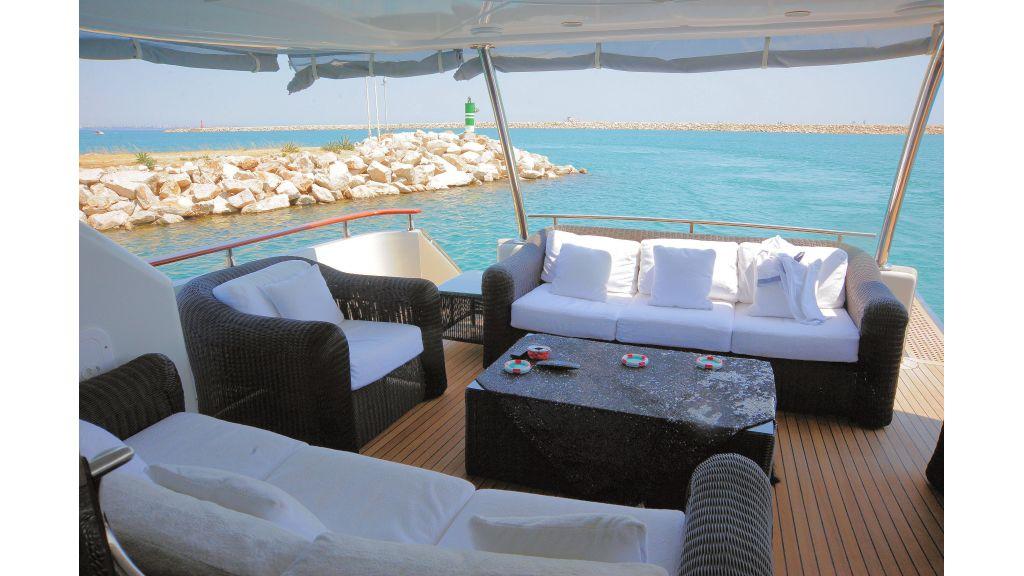 istanbul-built-epoxy-laminated-motoryacht-3