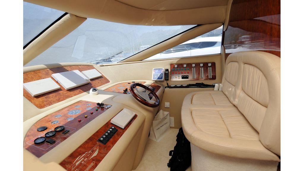 istanbul-built-epoxy-laminated-motoryacht-5