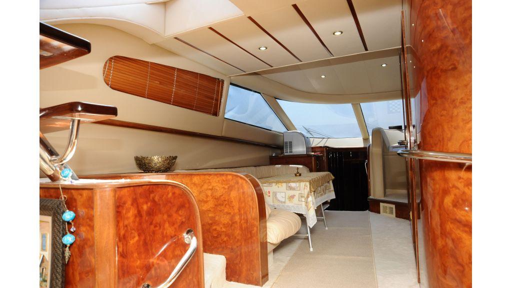 istanbul-built-epoxy-laminated-motoryacht-6